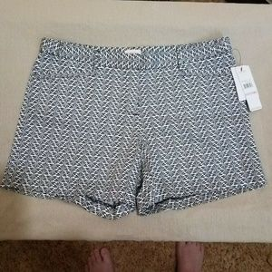 Laundry by shelli segal Shorts Geometric Fan Print